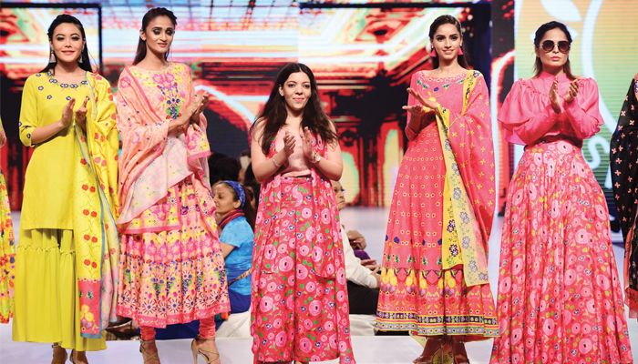 "Solunaris organises ""YOU-NIQUE"" fashion show in Ahmedabad"