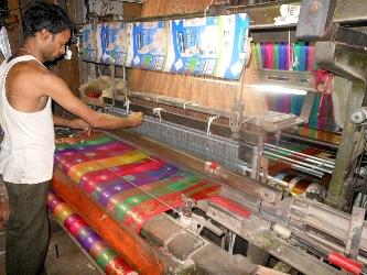 Tamil Nadu implements Weaver Mudra Scheme