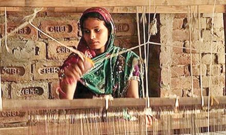 Govt. clears over 36 per cent hike in khadi artisan wages