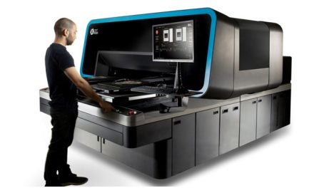 Super-industrial, next-generation DTG printing platform by Kornit