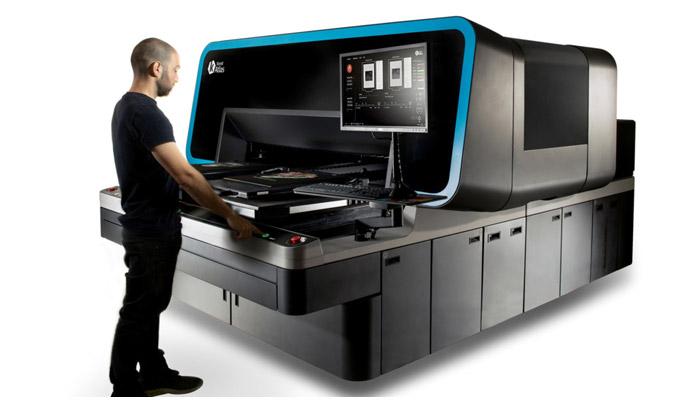 Super-industrial, next-generation DTG printing platform by Kornit