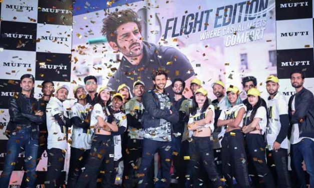 Kartik Aaryan unveils 'Flight Edition' by MUFTI amongst fans