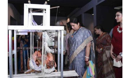 Irani inaugurates Textiles gallery in Delhi