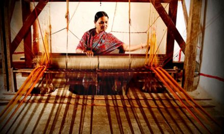 TS Govt committed to welfare of weavers